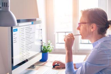 Eine Bildschirmbrille muss vom Arbeitgeber gestellt werden