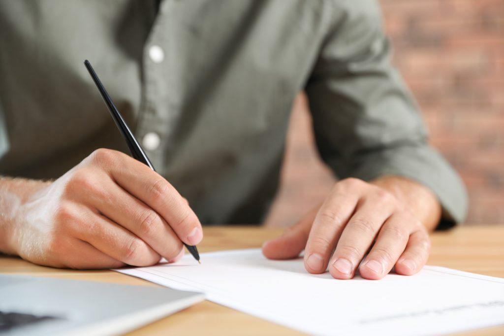 Die Fotokopie eines Testaments muss eigenhändig geändert und unterschrieben werden.