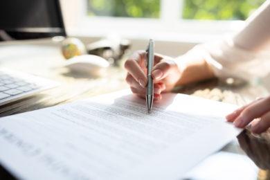 Streichung in einem Testament können auch ohne Unterschrift gelten.