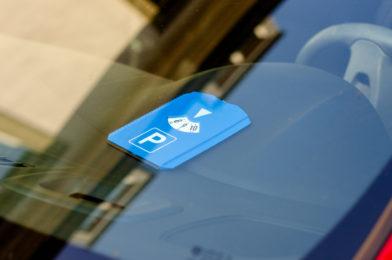 Anbringen einer Parkscheibe auf frei zugänglichem Privat-Parkplatz ist Pflicht