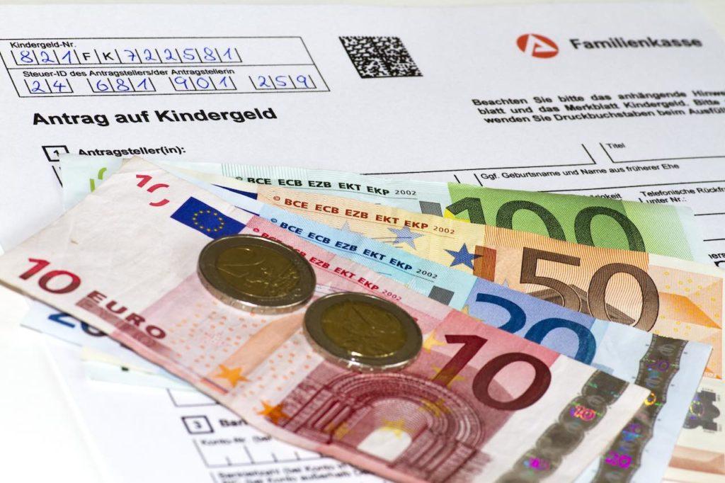 Kindergeld muss immer in dem Land beantragt werden, in dem man arbeitet – Familienrecht